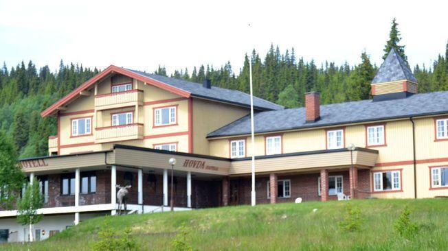 INGEN KONTAKT: Eieren av hotellet sier han aldri har hørt om selskapet som sier de samler inn penger for å innlosjere flyktninger på Hovda fjellhotell.