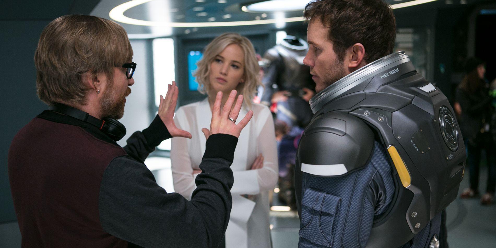 REGI: Morten Tyldum instruerer Jennifer Lawrence og Chris Pratt i «Passengers».