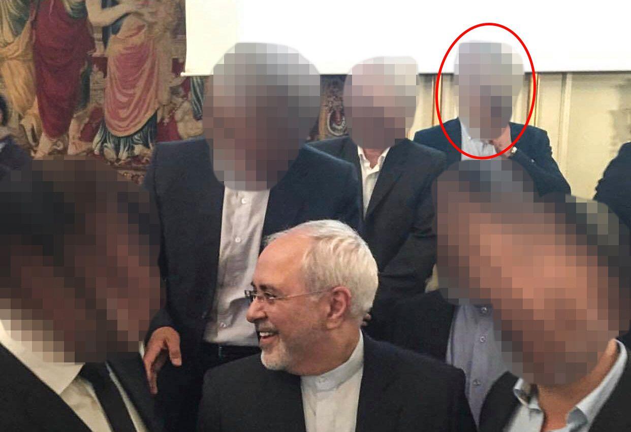 MINISTERMØTE: Den siktede 39-åringen (rød ring) er her avbildet sammen med Irans utenriksminister Javad Mohammad Zarif under et arrangement i regi av den iranske ambassaden på Grand Hotel i Oslo i juni 2016.