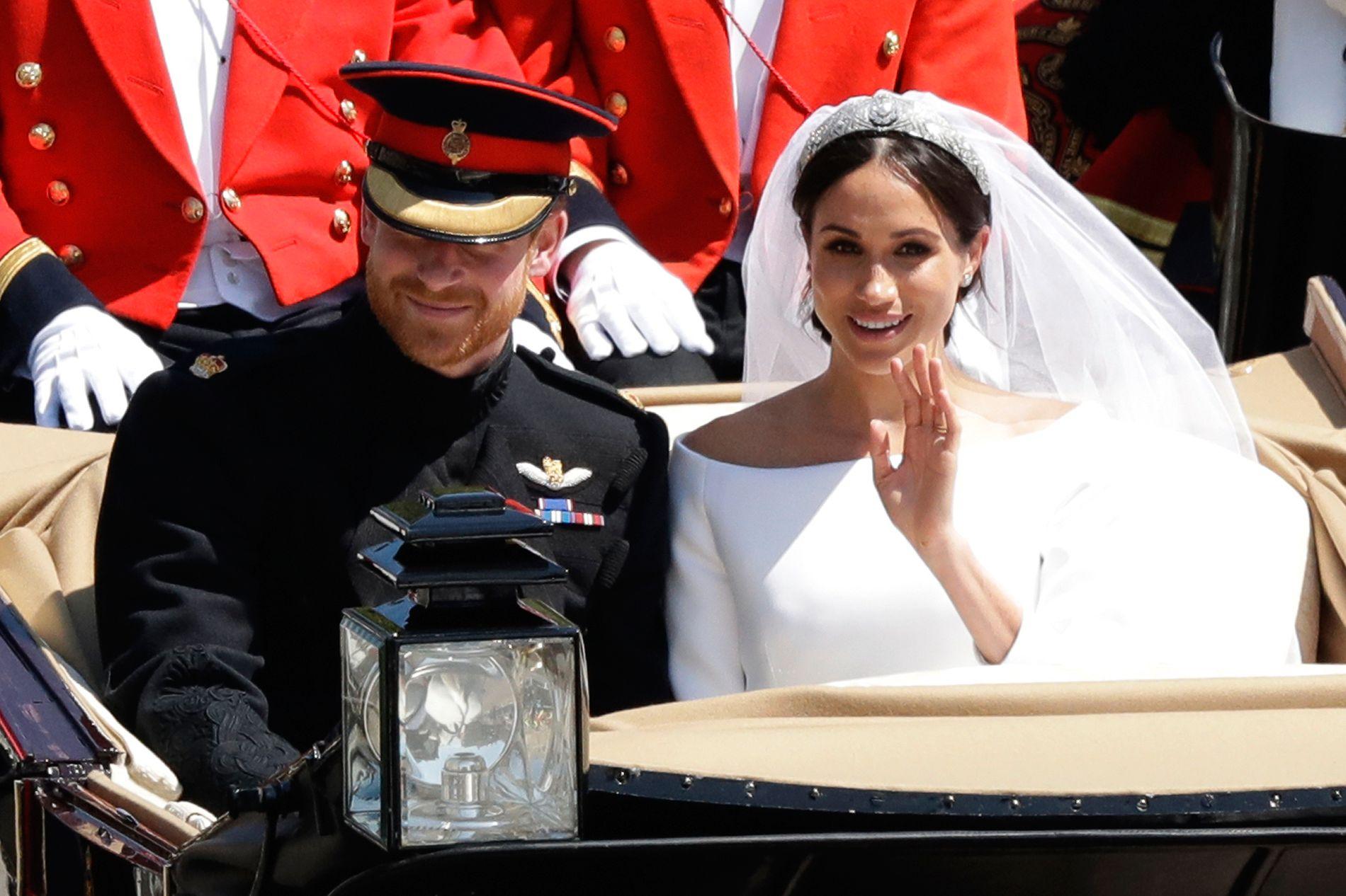 GODT GIFT: Den 19. mai i fjor giftet Meghan Markle seg med prins Harry. Som ektepar har de blitt hertugen og hertuginnen av Sussex.