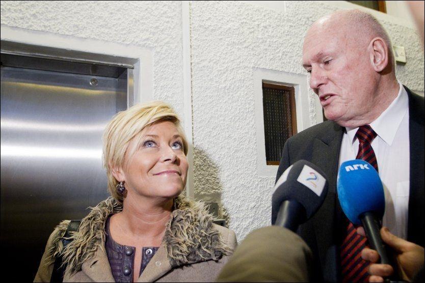 TALER HVERANDRE IMOT: Frp-leder Siv Jensen taler på Minnesund og i Drammen i dag, mens LO-leder Roar Flåthen taler i Bergen. Foto: Berit Roald/Scanpix