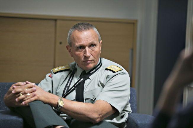 FØLGER NØYE MED: Generalløytnant Kjell Grandhagen, sjef for Etterretningstjenesten, sier at de følger ekstra godt med i Ukraina.