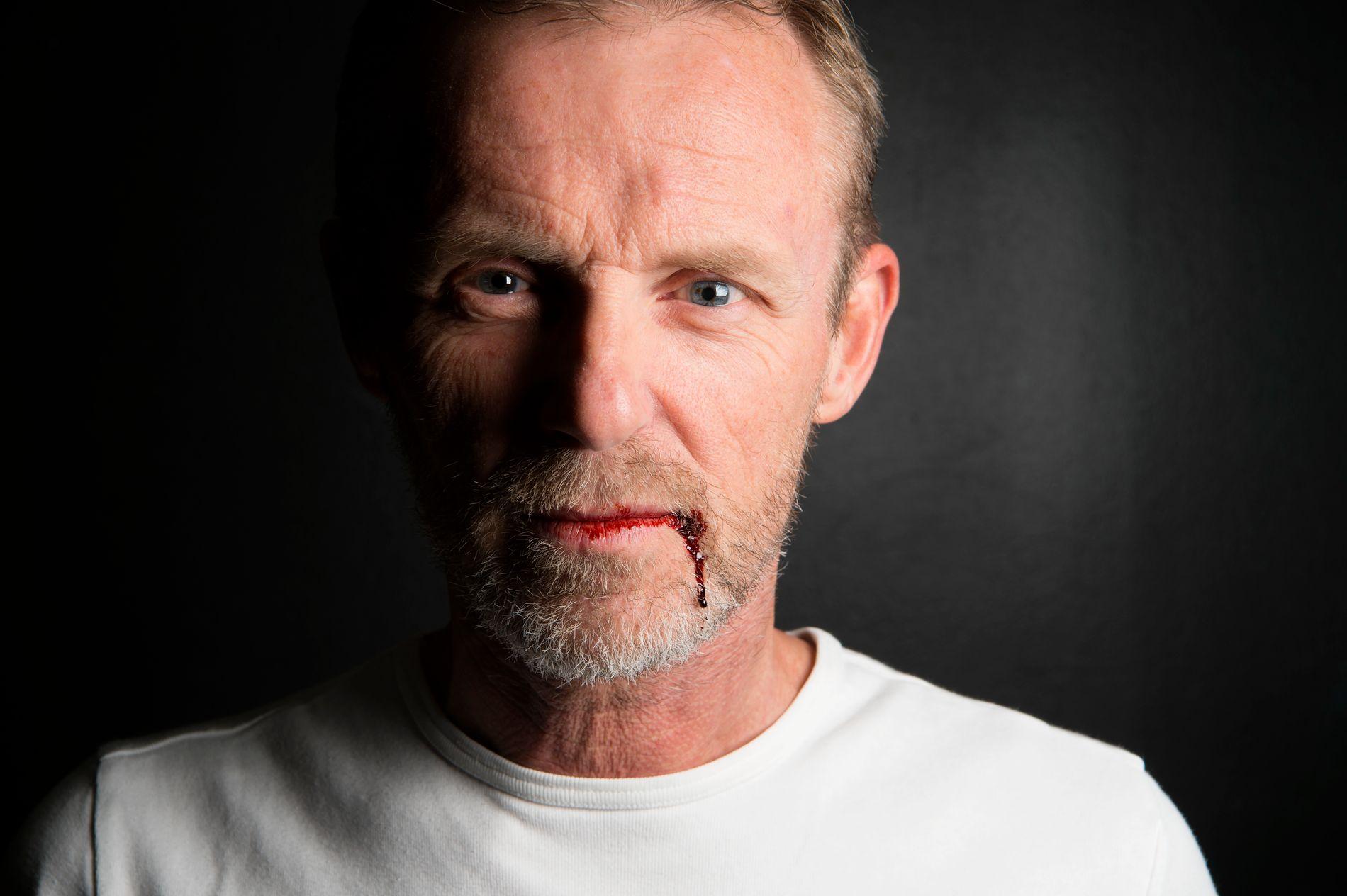 AKTIV: Jo Nesbø avbildet i forbindelse med sin nye bok om Harry Hole, 20 år etter at første boken kom: «Tørst».