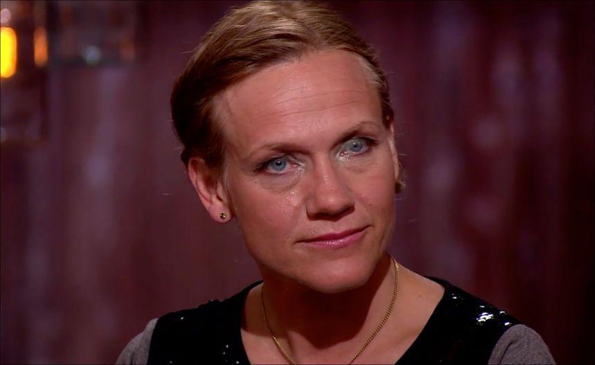 BRAST I GRÅT: Anneli Drecker ble rørt til tårer under innspillingen av «Hver gang vi møtes». Foto: TV 2