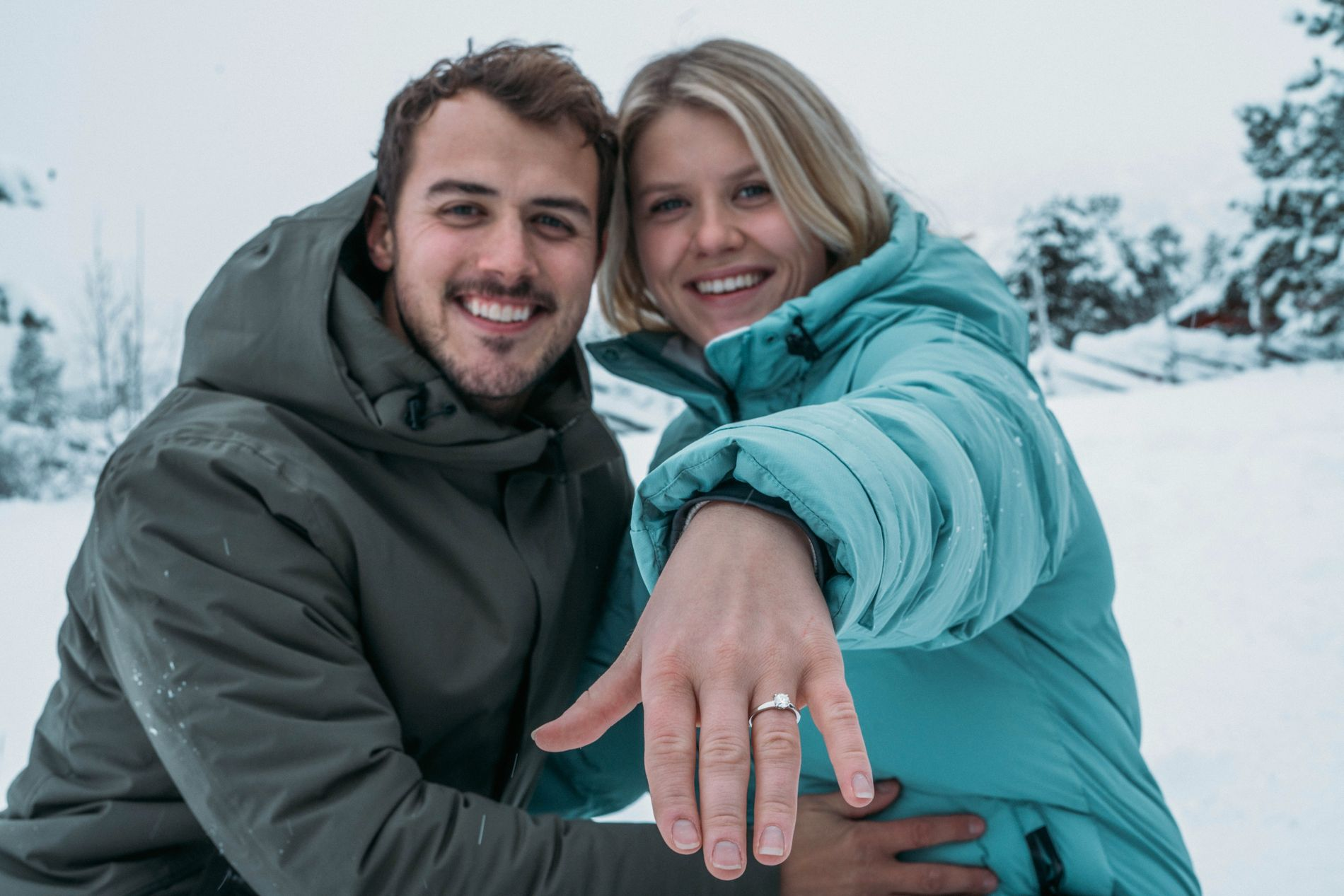 SE, SÅ LYKKELIGE: Dette bildet av Tiril og Stian ble tatt få timer etter at de hadde forlovet seg i desember.