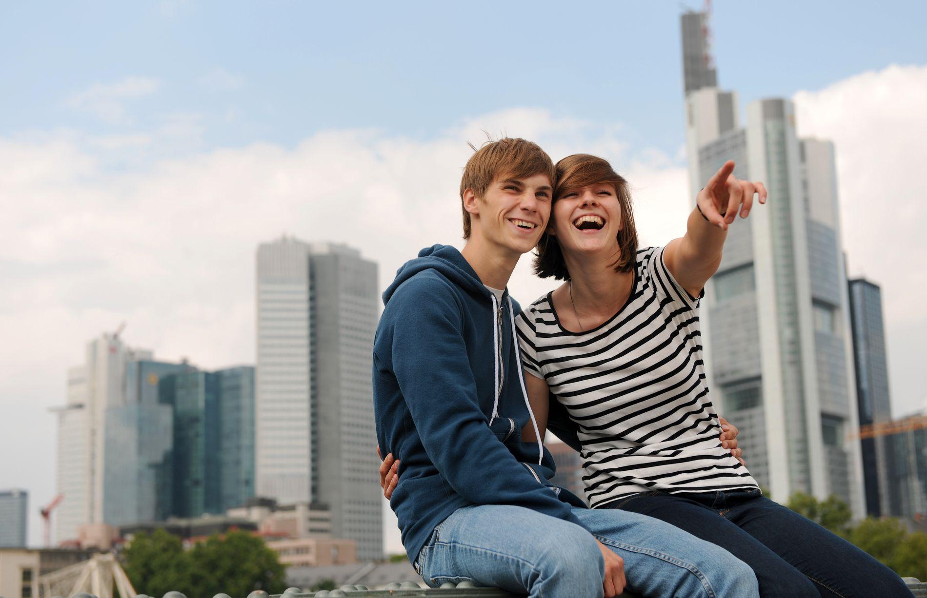 INGEN FASIT: Det finnes ikke en fasit på hvordan den første daten blir vellykket, ifølge livsstilscoach Torkel Guttormsen. Men kanskje noen råd på veien kan bidra til å gjøre den vellykket.