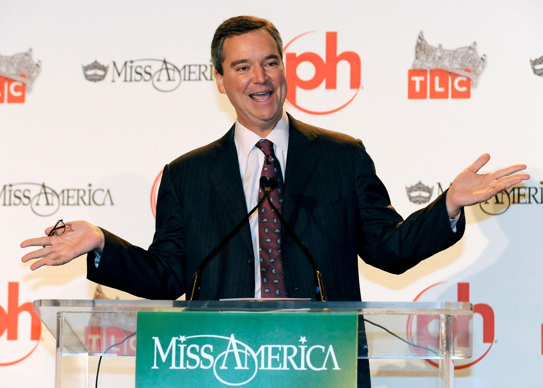 UTE: Miss America-sjef Sam Haskell på en pressekonferanse i Atlanta i 2010. Nå har han måttet gå.