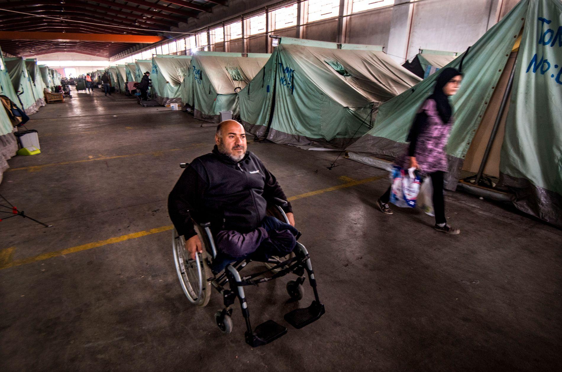 FLYKTET I RULLESTOL: Kurdiske Khaled er fra Qamishli i Syria, og håper han kan relokaliseres til et annet land for å få asylsøknaden sin vurdert der.