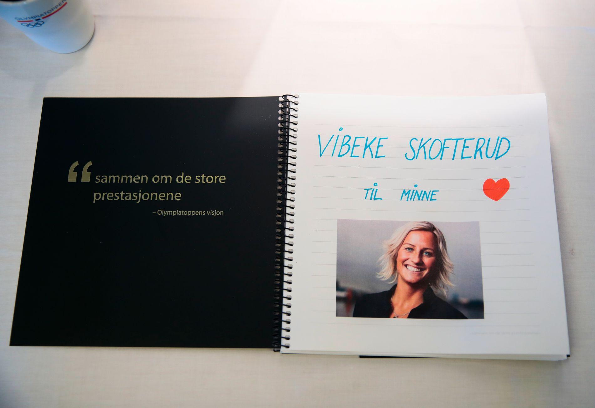 ET SISTE FARVEL: Kondolanseprotokoll for Vibeke Skofterud er lagt ut på Olympiatoppen i Oslo. Torsdag begraves langrennsprofilen.