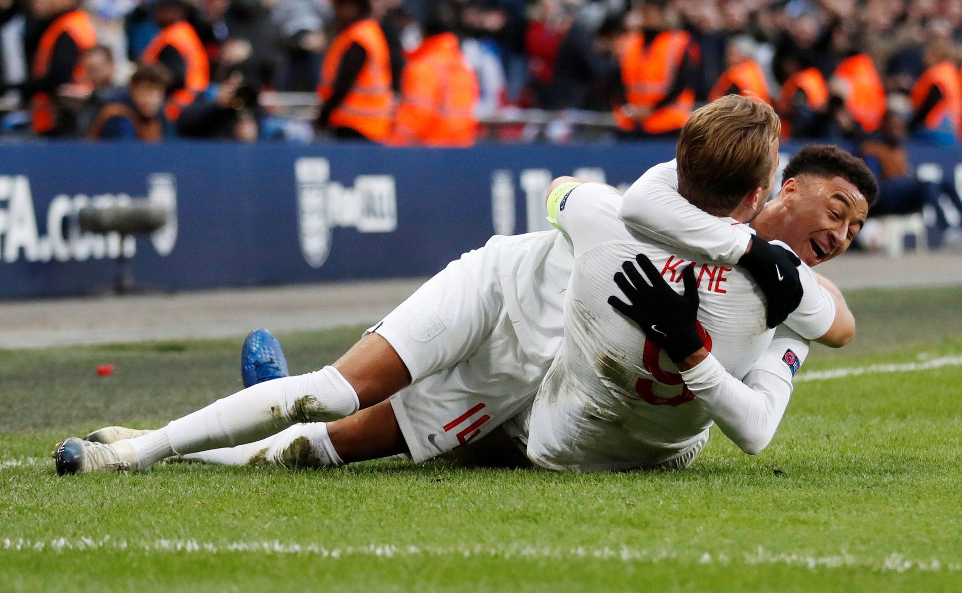 HELTENE: Jesse Lingard og Harry Kane snudde kampen for England.