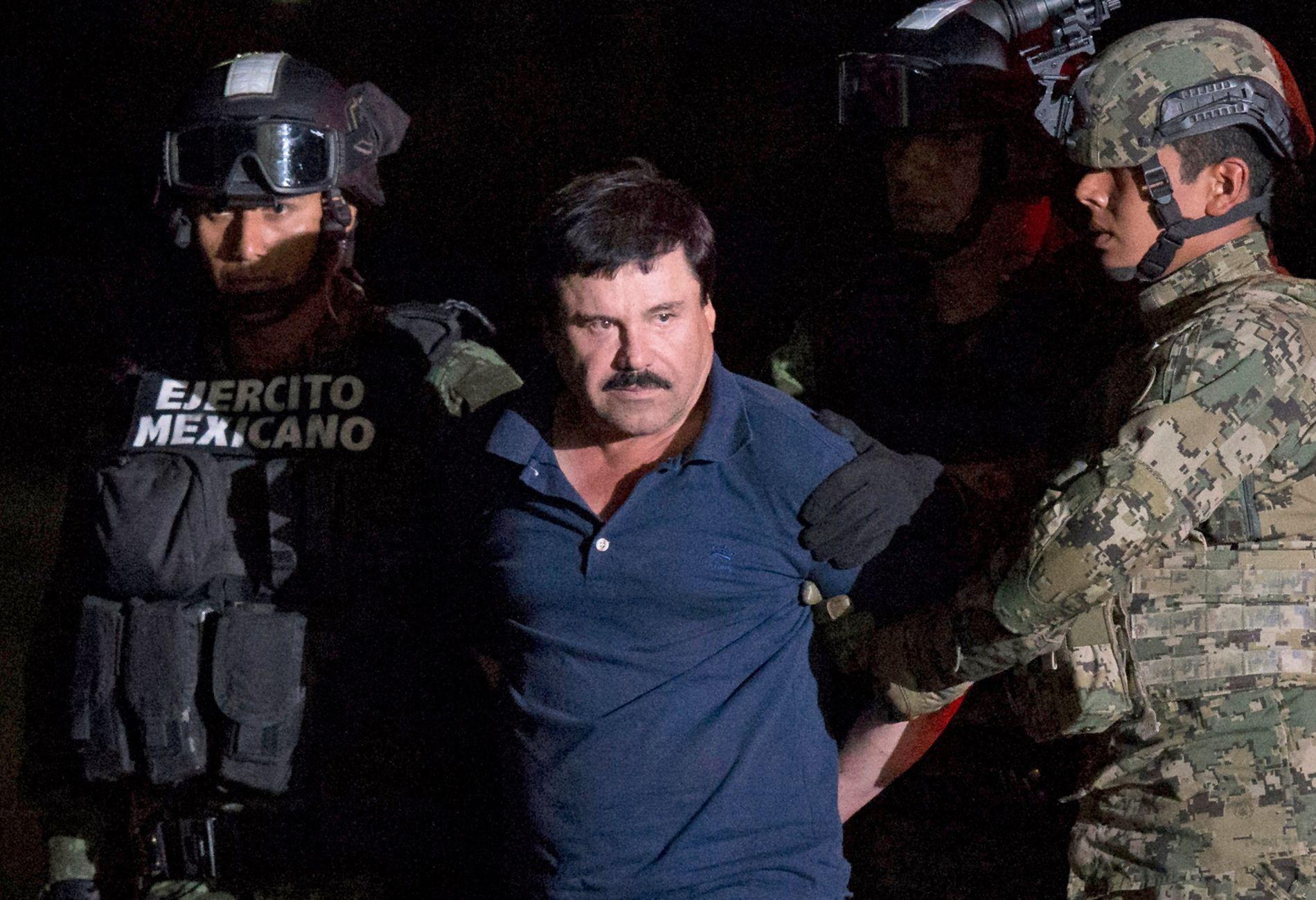 TATT I 2016: Joaquin «El Chapo» Guzman» ble pågrepet i Mexico city i januar 2016. Da hadde han vært på rømmen i seks måneder, etter å ha rømt fra høysikkerhetsfengsel for andre gang.