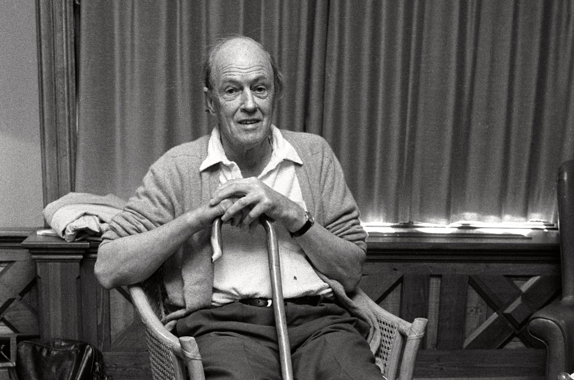 NORSK: Roald Dahl ble født og vokste opp i Storbritannia, men begge foreldrene var utvandrere fra Norge. Nå skal hans magiske verden få nytt liv hos strømmegiganten Netflix.