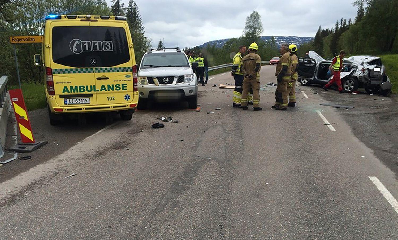 DØDSULYKKE: Alle nødetatene rykket i morgentimene ut til riksvei 12 ved Fagervollan i Rana kommune.
