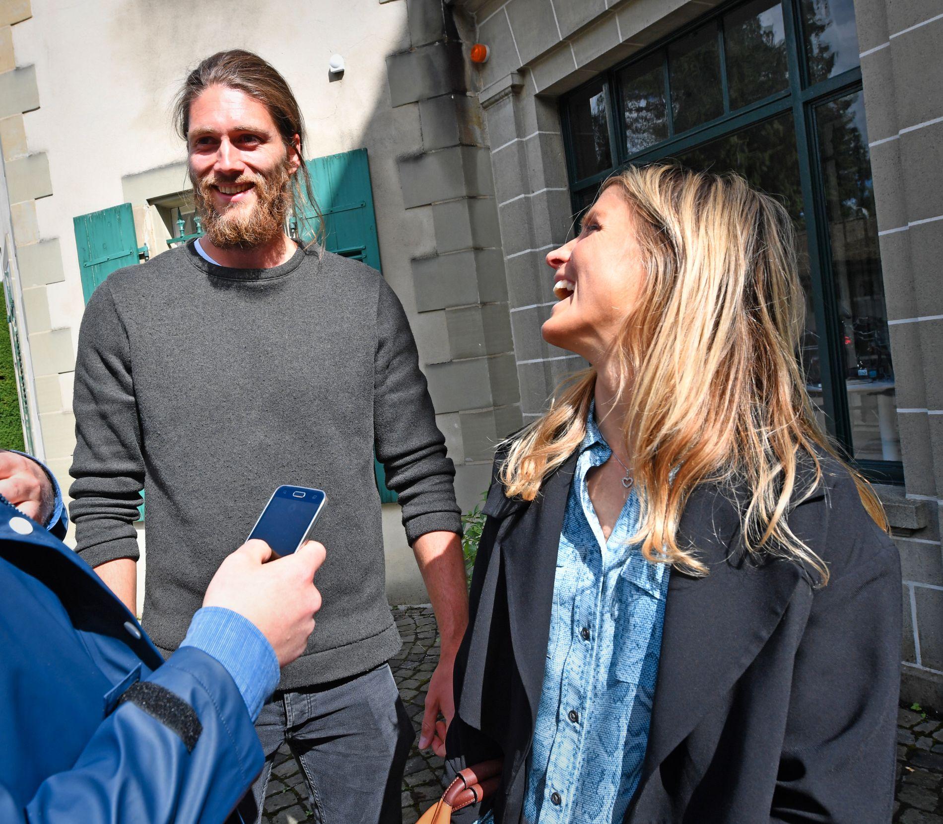 «BAUTA»: Therese Johaug karakteriserte på torsdagens pressekonferanse sin kjæresten Nils Jakob Hoff som en «bauta». Her er de fotografert etter høringen i CAS-domstolen.