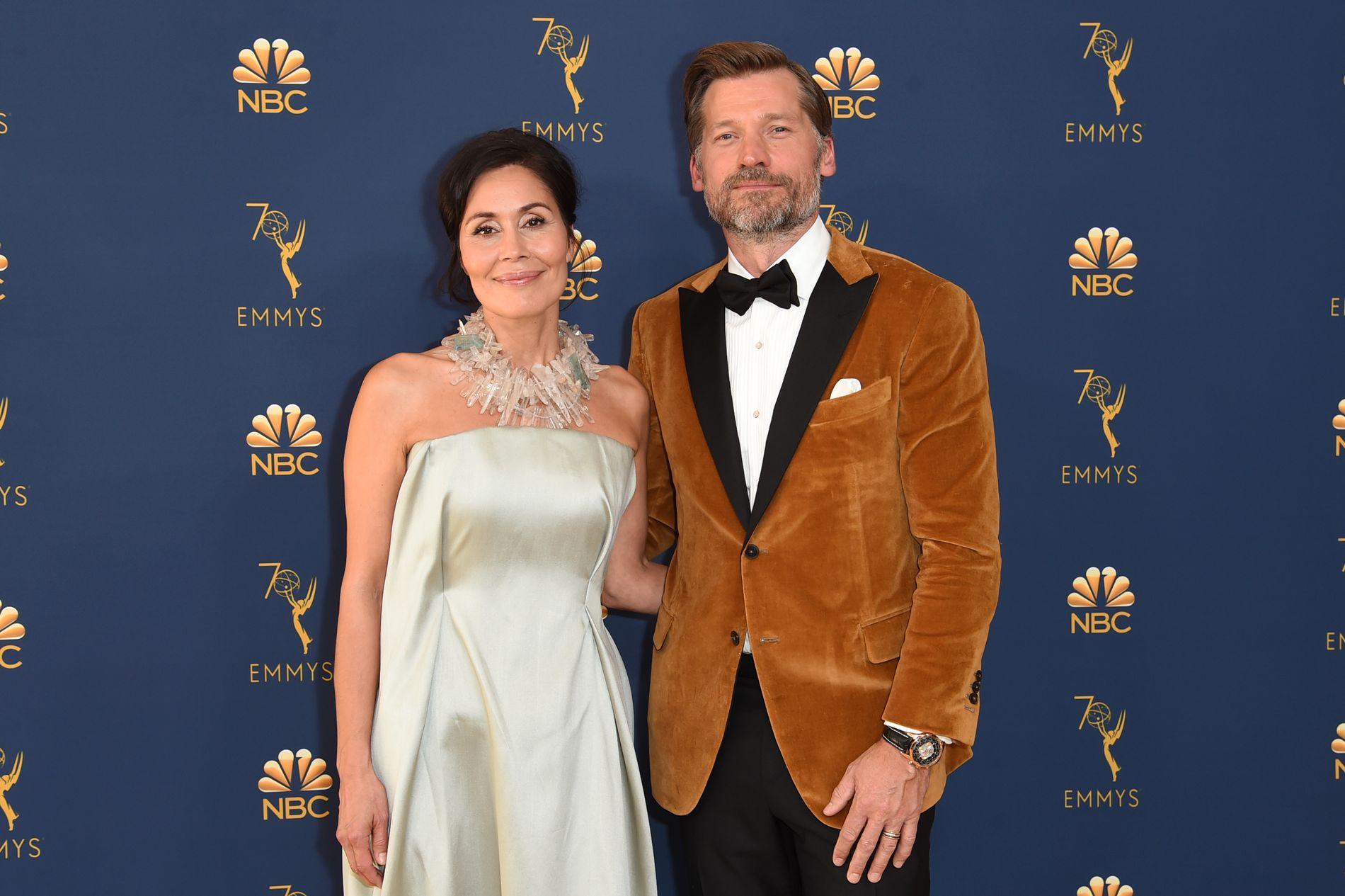 RØD LØPER: Nukaaka Coster-Waldau og Nikolaj på Emmy-utdelingen i september 2018.