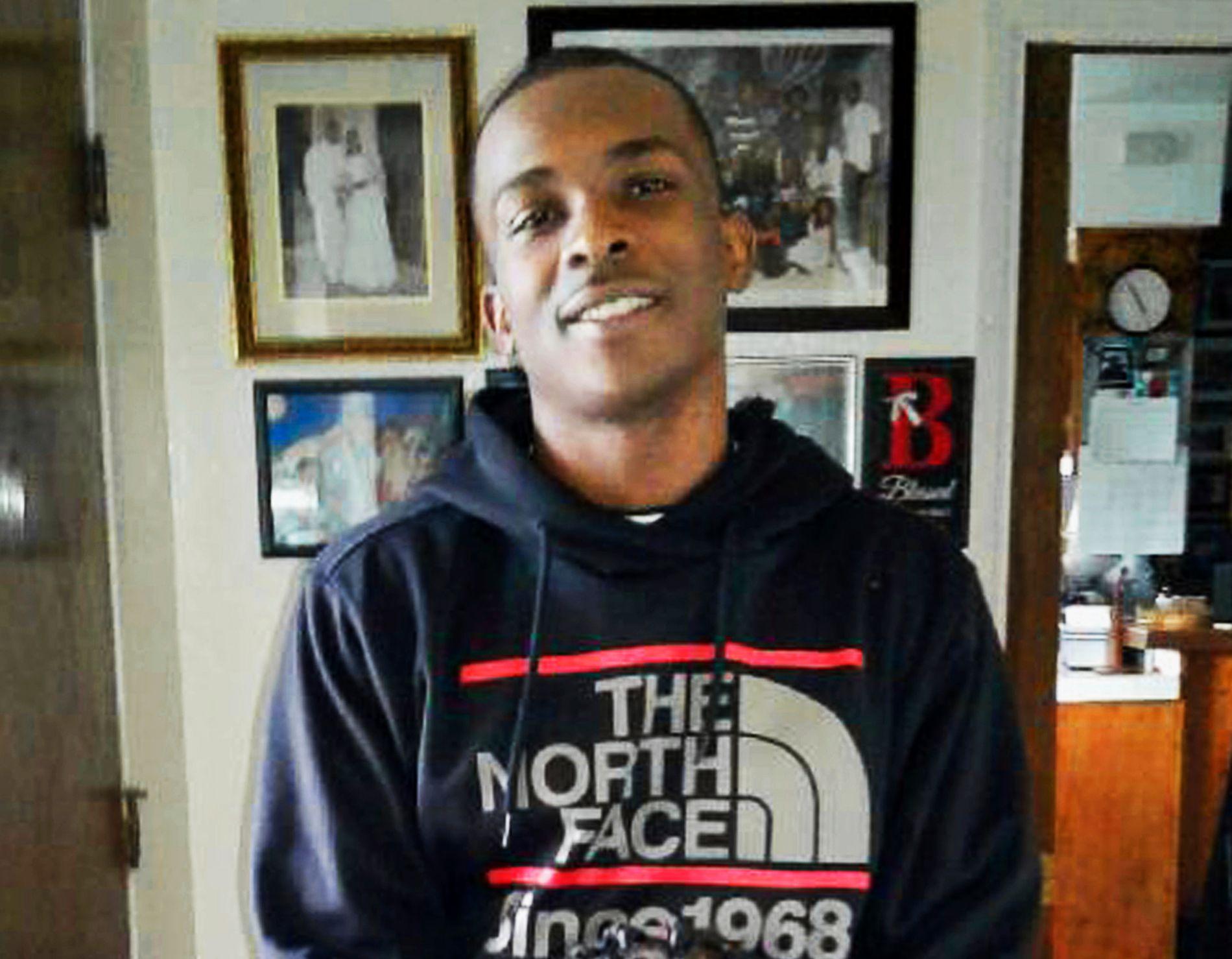 DREPT: Stephon Clark (22) er foreløpig siste i rekken av unge, svarte menn i USA, som er drept av politiet under uklare omstendigheter.