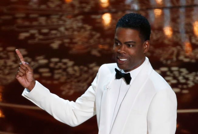 I GANG: Chris Rock på scenen for å være programleder for de 88. Academy Awards.
