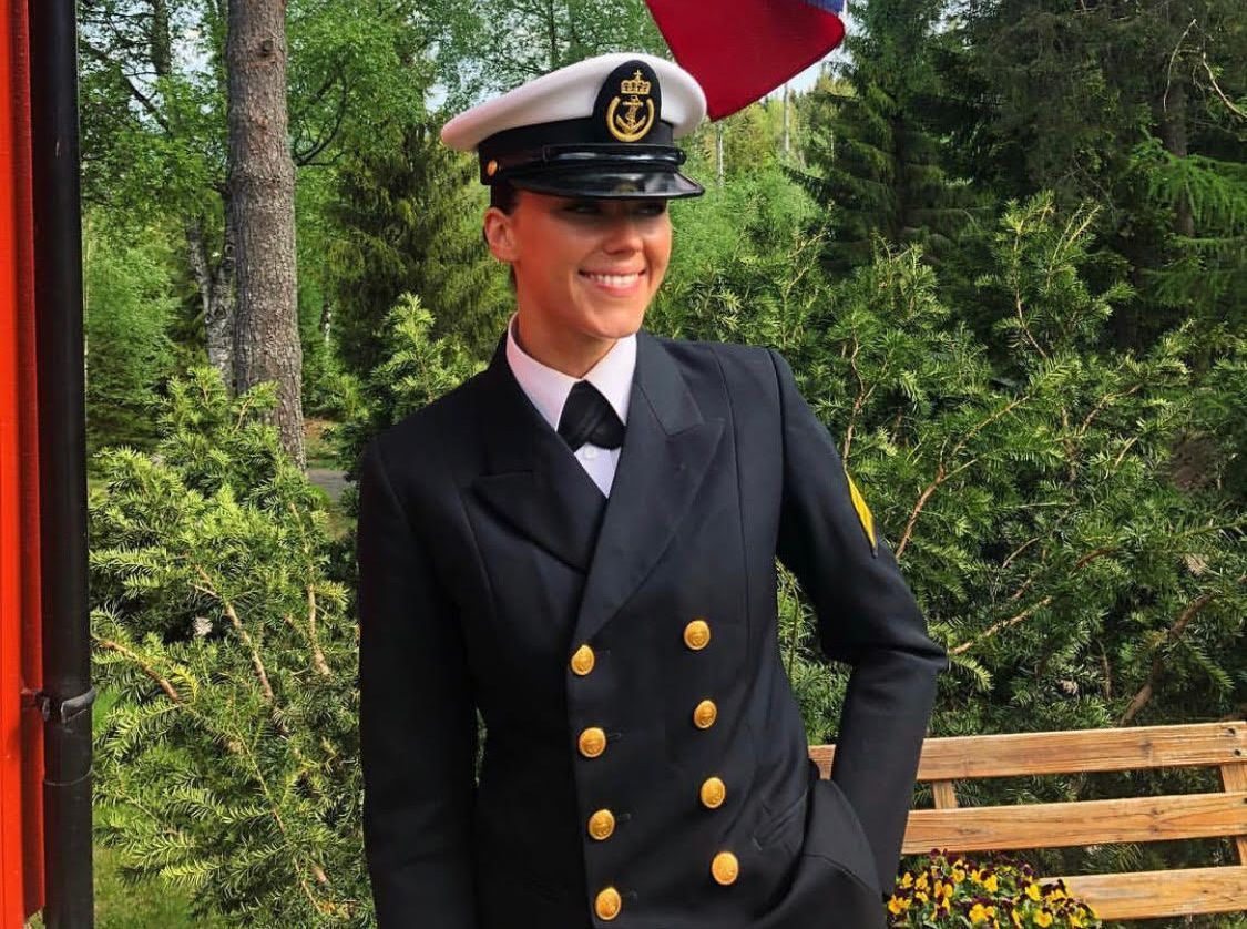 VIL UT IGJEN: Etter det faren erfarer, skal mannskapet fra KNM «Helge Ingstad» ut igjen i løpet av uken. – Thea gleder seg, sier han om datteren som er kvartermester og sanitetsbefal.