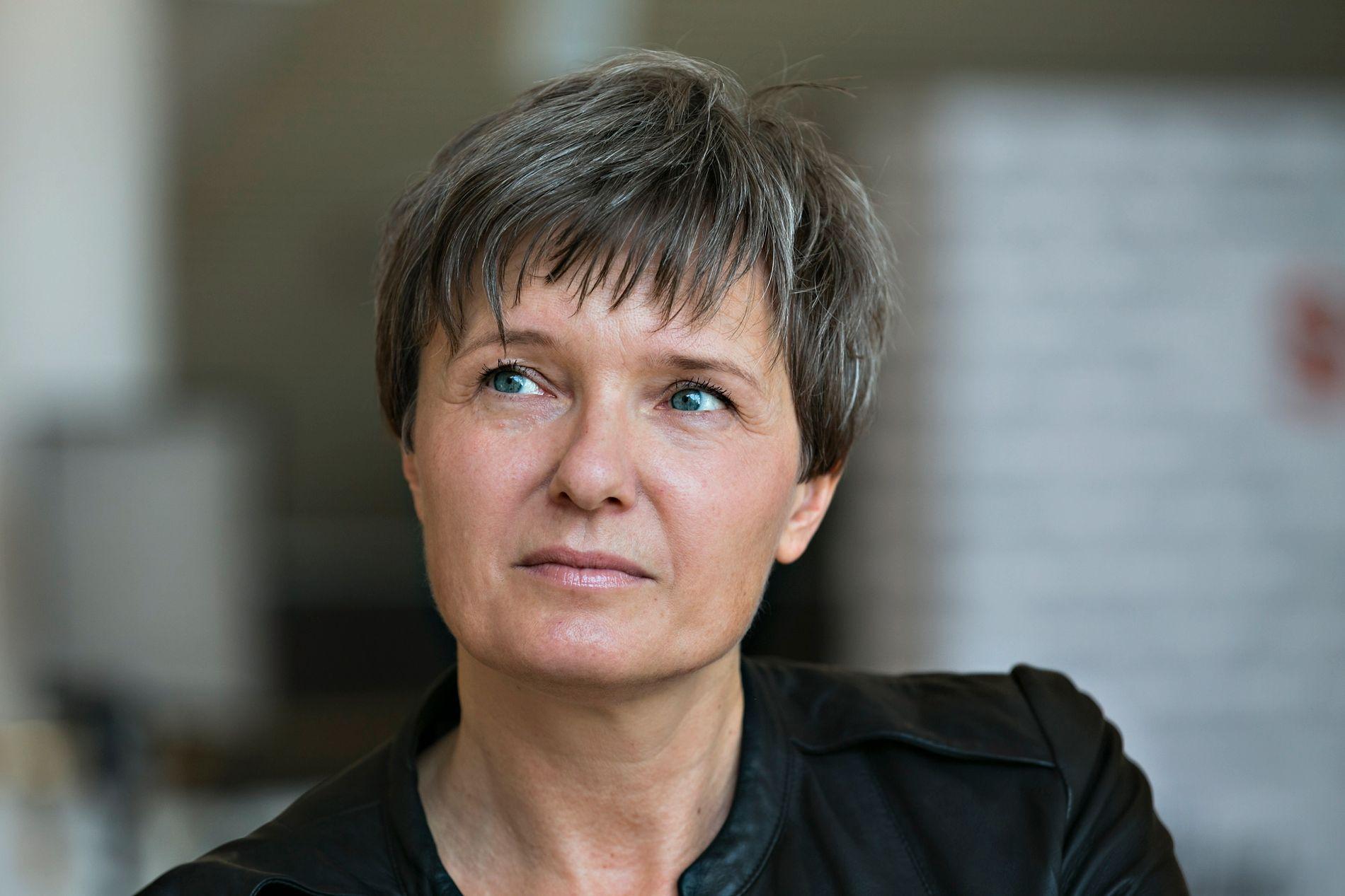 MÅ MELDE AVBUD: Ingrid Bjørnov, her avbildet i forbindelse en teateroppsetting på Det Norske Teateret i 2015.
