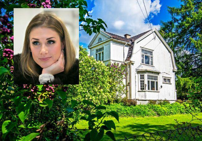 RIVEKOMPLIKASJONER: Tone Damli Aaberge og kjæresten Markus Foss kjøpte dette huset i Bærum i fjor sommer.