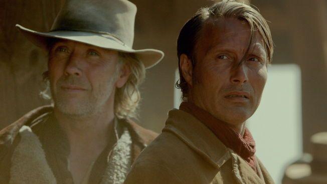 BRØDRE: Mikael Persbrandt og Mads Mikkelsen - brødre som utsettes for harde tak i «Salvation».