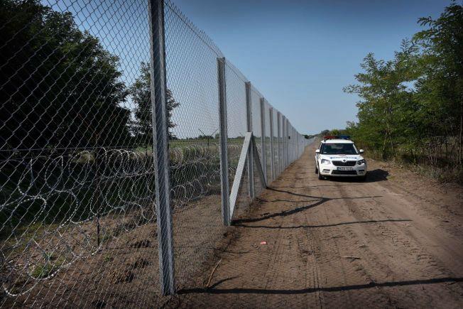 STENGES UTE: – Grensegjerdet Ungarn bygger har så langt ikke vært effektivt når det gjelder å holde desperate flyktninger ute, men det er mer effektivt på en annen måte. Fidesz har behov for å vise at de gjør noe, skriver kronikkforfatteren.