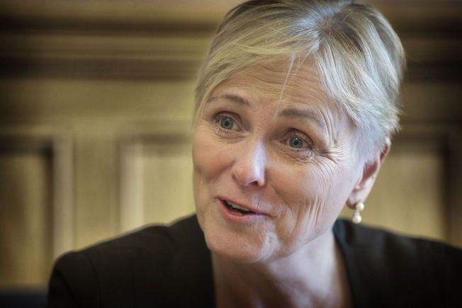 KOM INGEN (WID)VEY: Kulturminister Thorhild Widvey møtte VG for å forklare OL-nederlaget etter å ha feiret åpningen av det 159. Storting i går.