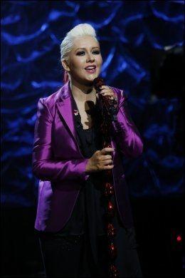 VIL HJELPE: Christina Aguilera. Foto: AP