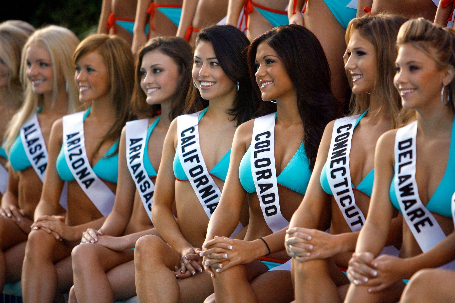 SLUTT: Deltagere i Miss Teen USA for noen år tilbake. Heretter slipper tenåringsjentene å posere sånn.
