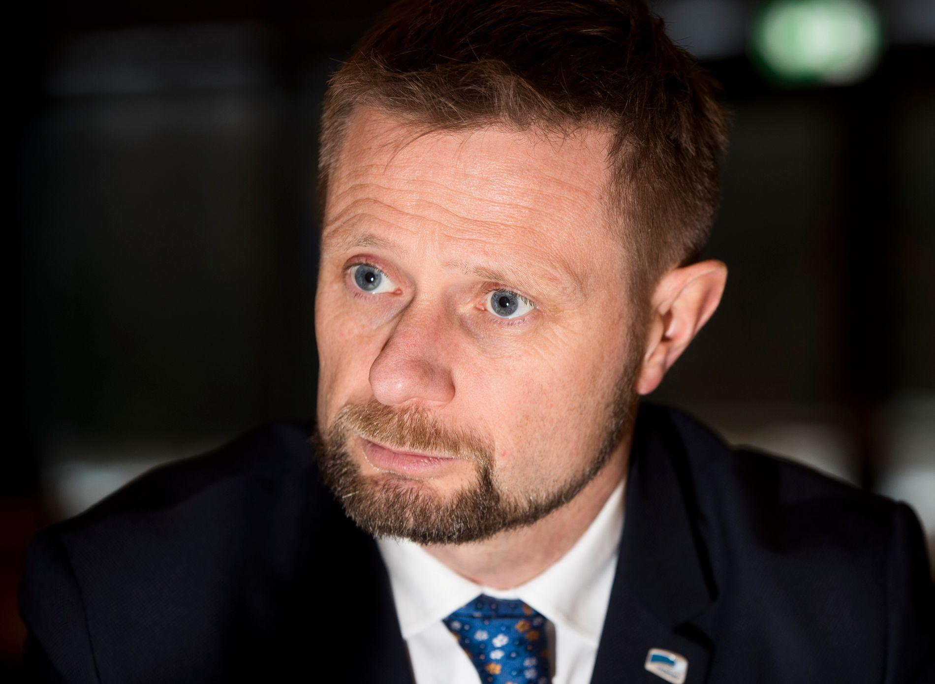 REGULERER NIKOTIN: Helseminister Bent Høie.