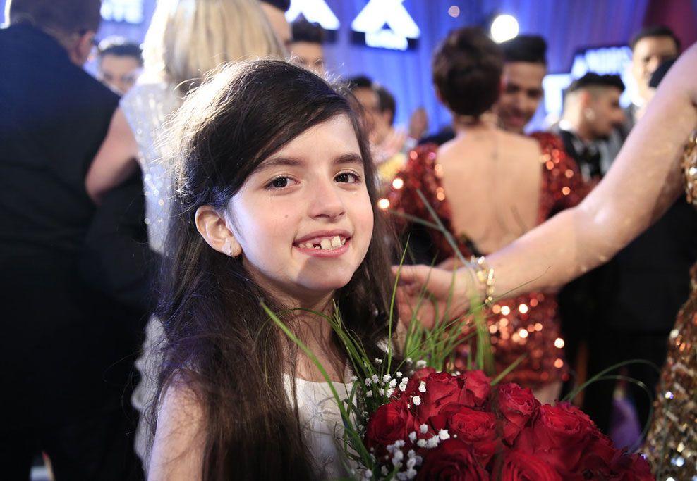GLEDESTÅRER: Angelina Jordan etter at hun ble utropt som vinner fredag kveld. Foto: TV2