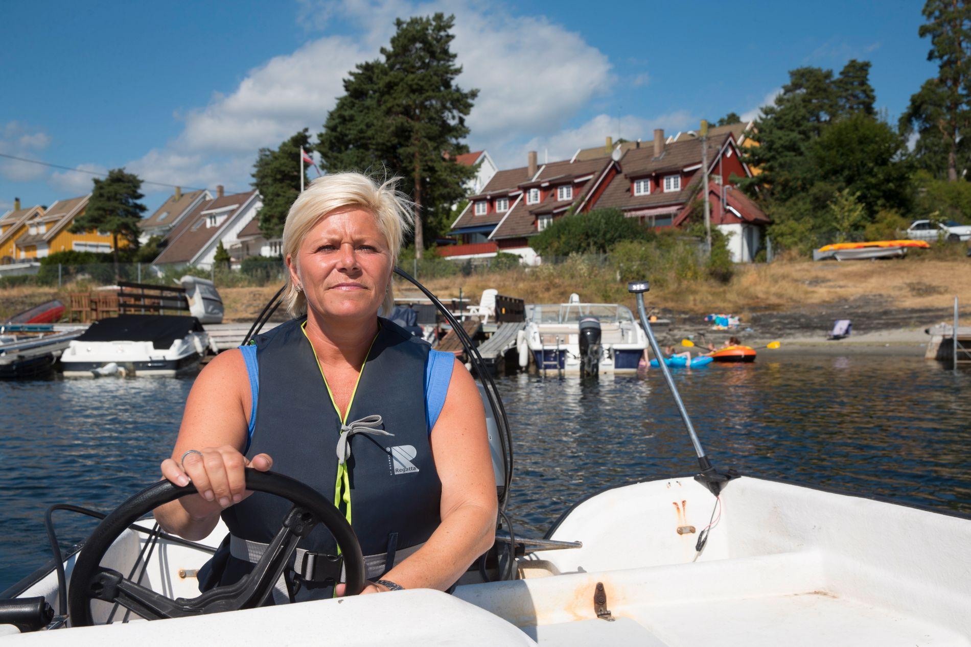 TRØBBEL: Finansminister Siv Jensen leier en hytte av Andresen-familien på Grimsøya, som ligger i indrefileten av Oslofjorden. Prisen hun betaler for denne har fått flere til å reagere. Dette bildet ble tatt i en annen sammenheng.