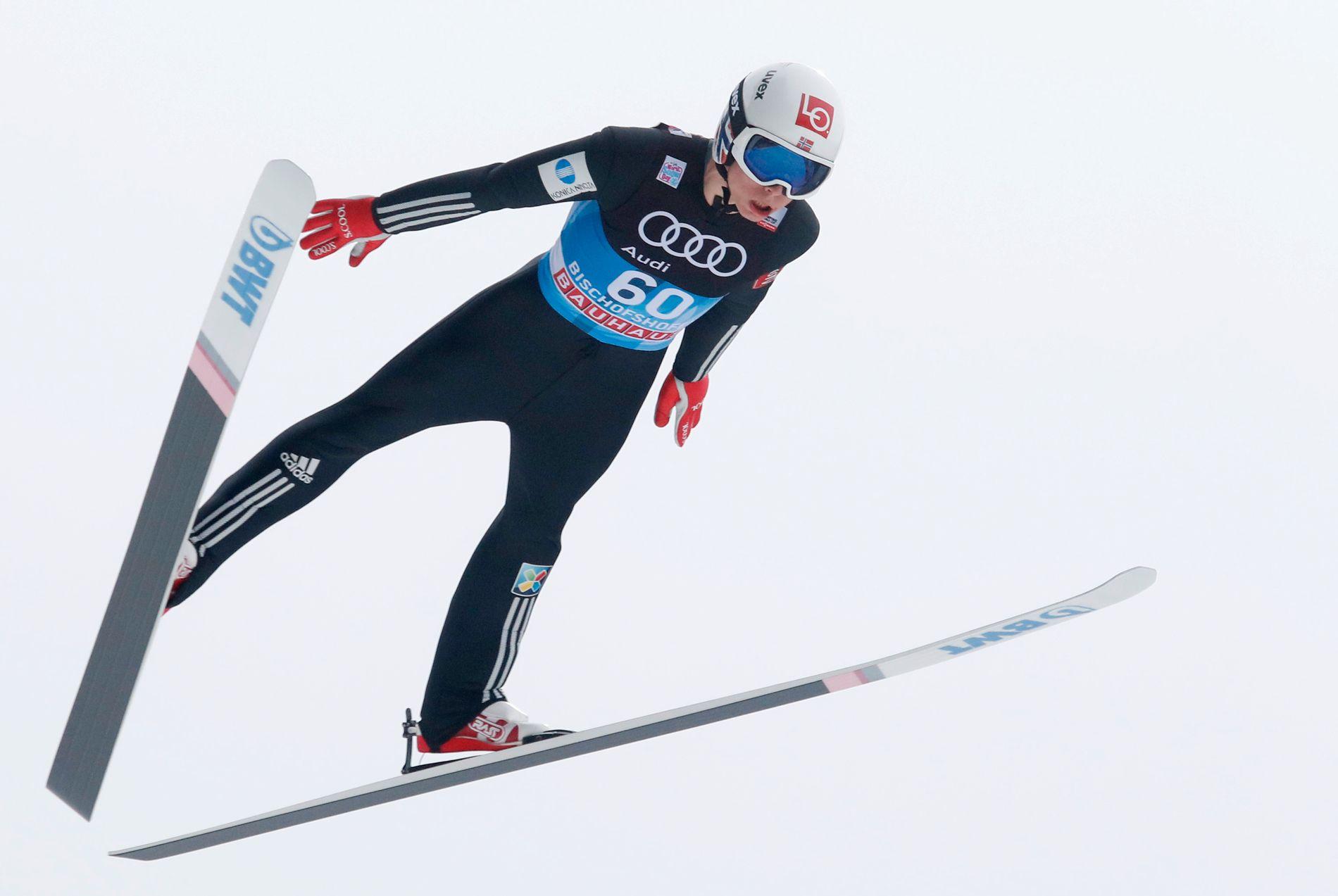 GOD I KVALIK: Johann André Forfang gjorde nok en god kvalifisering i Hoppuka. Dessverre har han slitt med å gjøre to gode hopp i rennene.