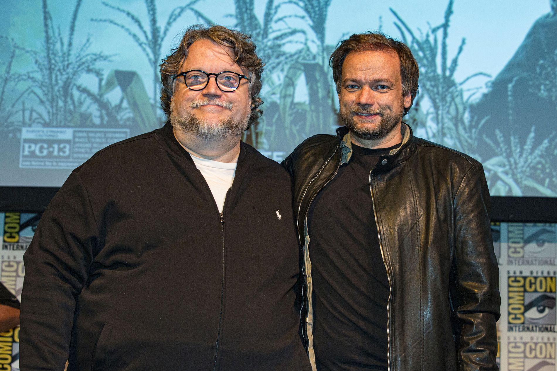 BAKMENN: Guillermo del Toro (til venstre) og André Øvredal står bak «Scary Stories To Tell In The Dark».