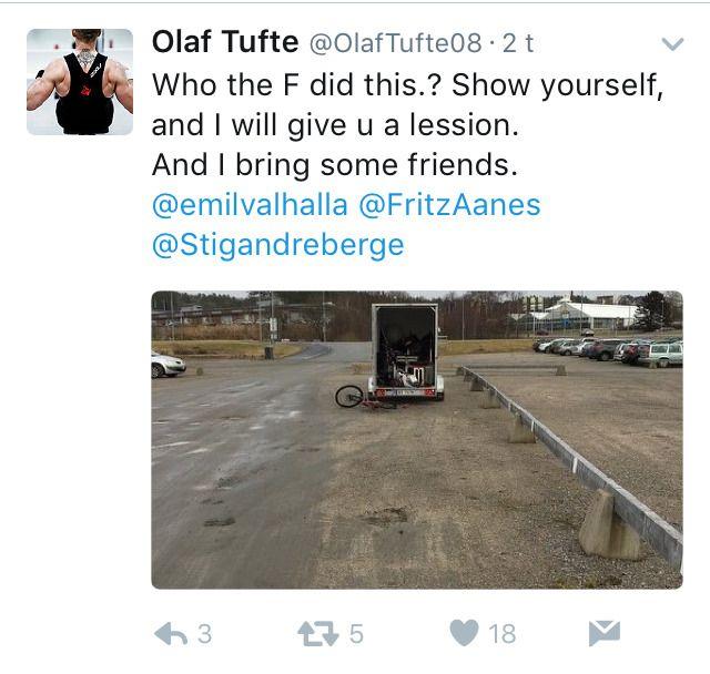 SKREMMER TYVENE: Olaf Tufte får med seg kompisene for å skremme bort tyvene fra å prøve seg igjen.