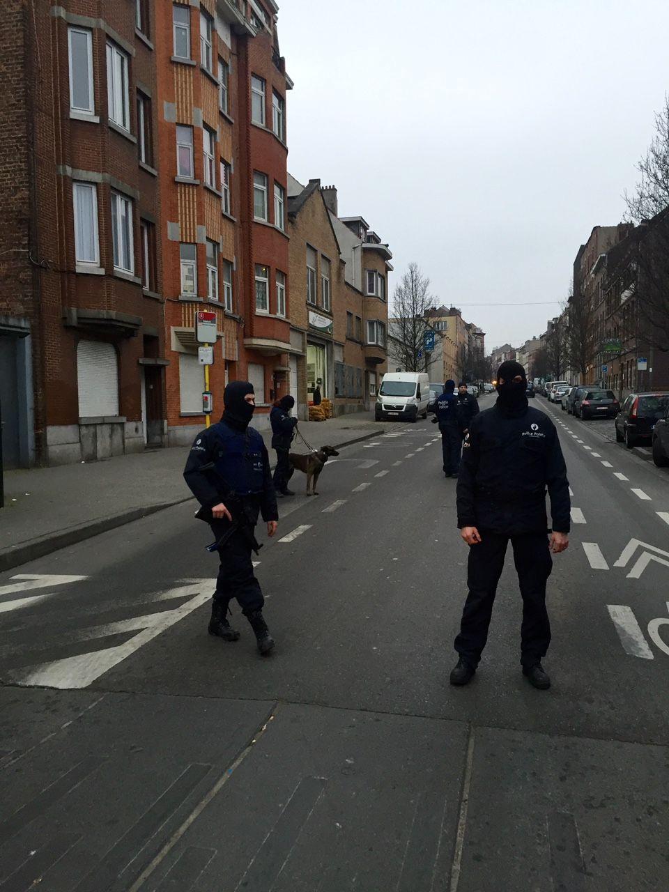 TATT: Bilde fra Antiterroraksjonen i Belgia for kort tid siden der Salah Abdeslam ble tatt i live.