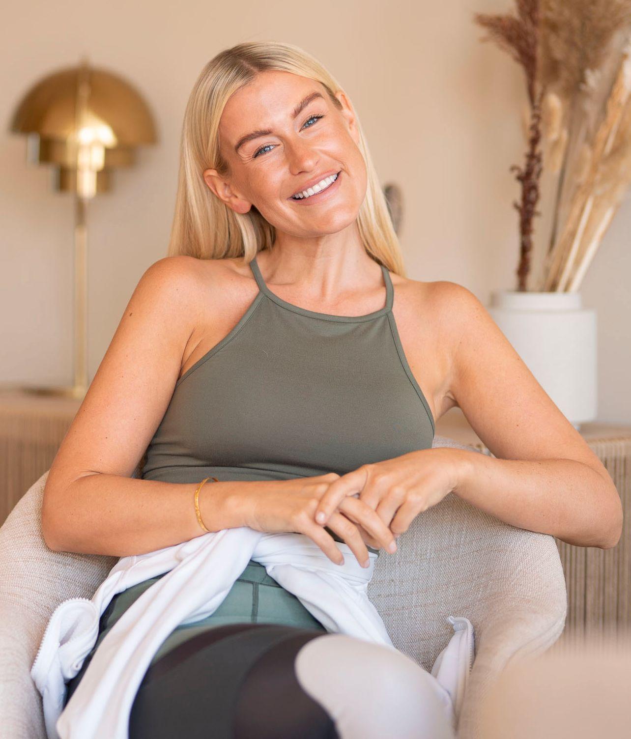 Influenser Lene Orvik føler seg freshere når hun har litt farge og har brukt Betakaroten Gold i mange år.