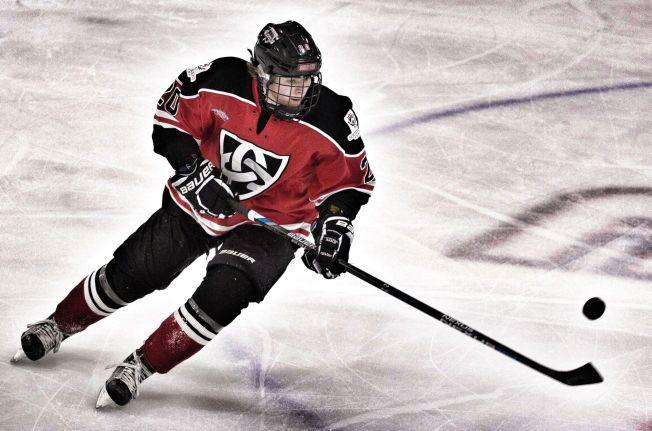 ANDRE SESONG I USA: Mathias Emilio Pettersen (15) i klubbdrakten til South Kent School i Connecticut i delstaten New York.