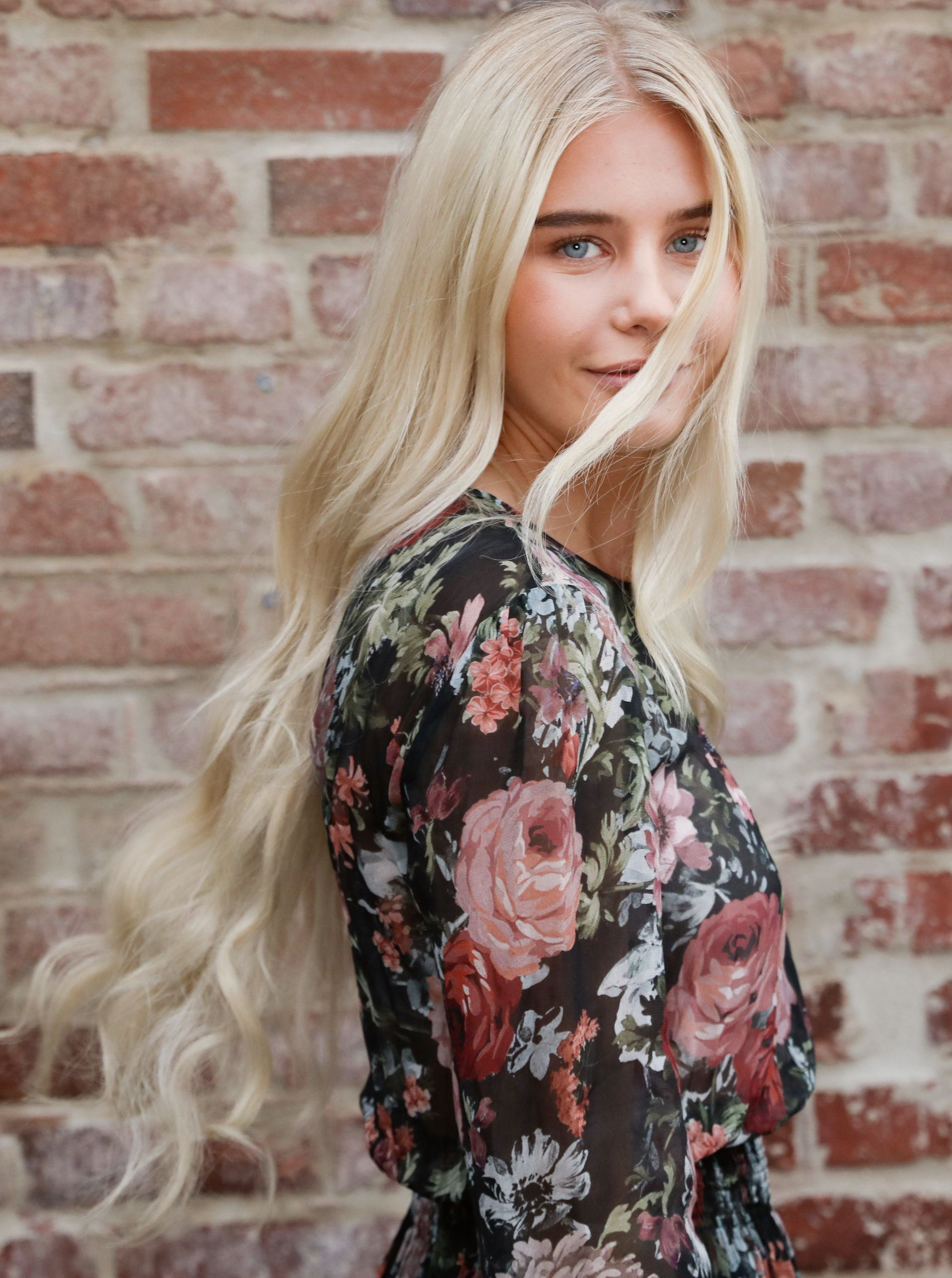 MODELLHÅP: Amalie Snøløs (21) har fått modellkontrakt etter «Farmen». Her under et møte med VG i forrige uke.