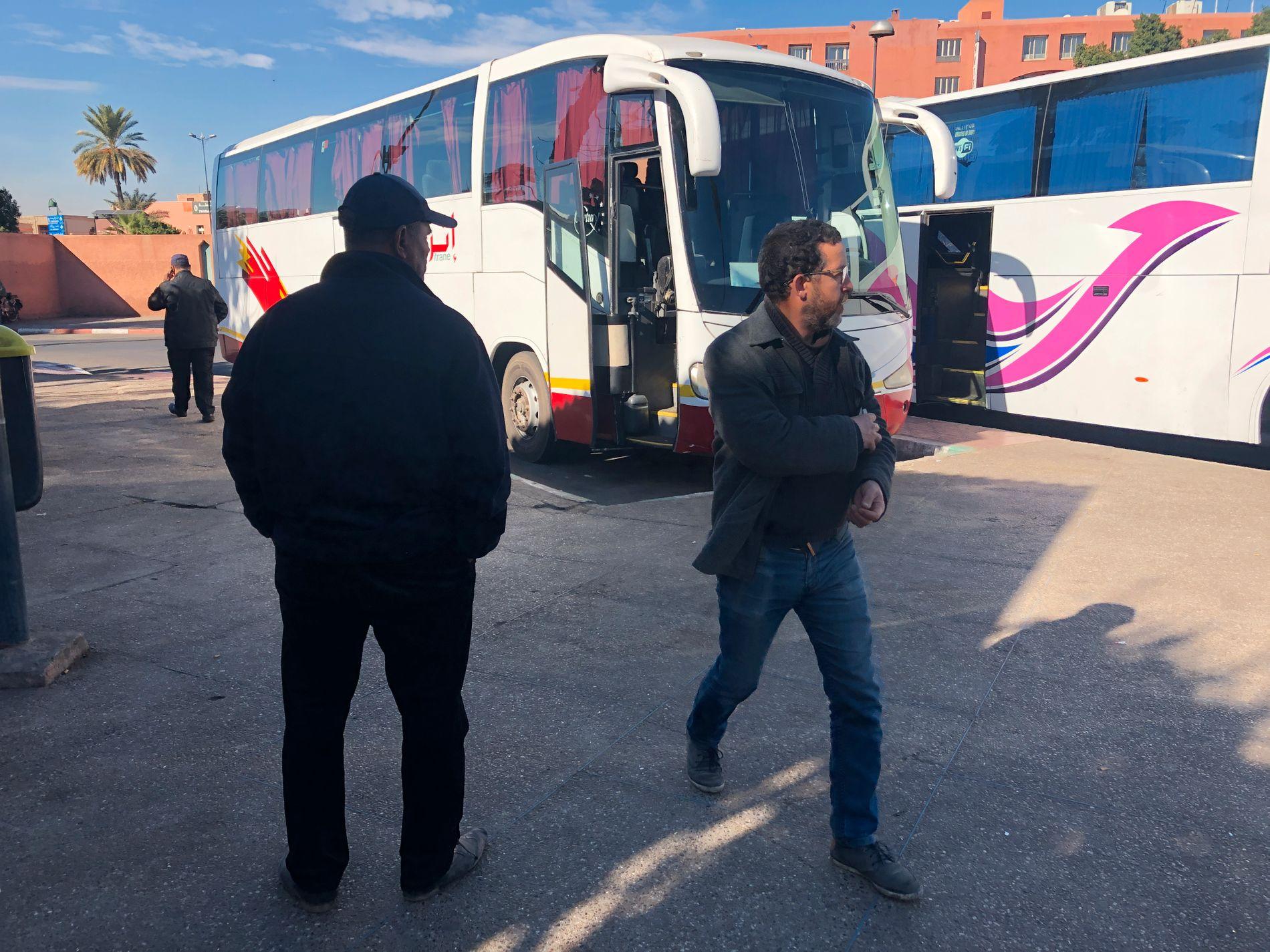 STIKKE AV: På denne bussen, som skulle kjøre fra Marrakech til Agadir, ble de tre mennene pågrepet.