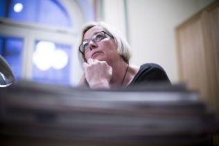KRITISK: Parlamentarisk leder Marit Arnstad (Sp).