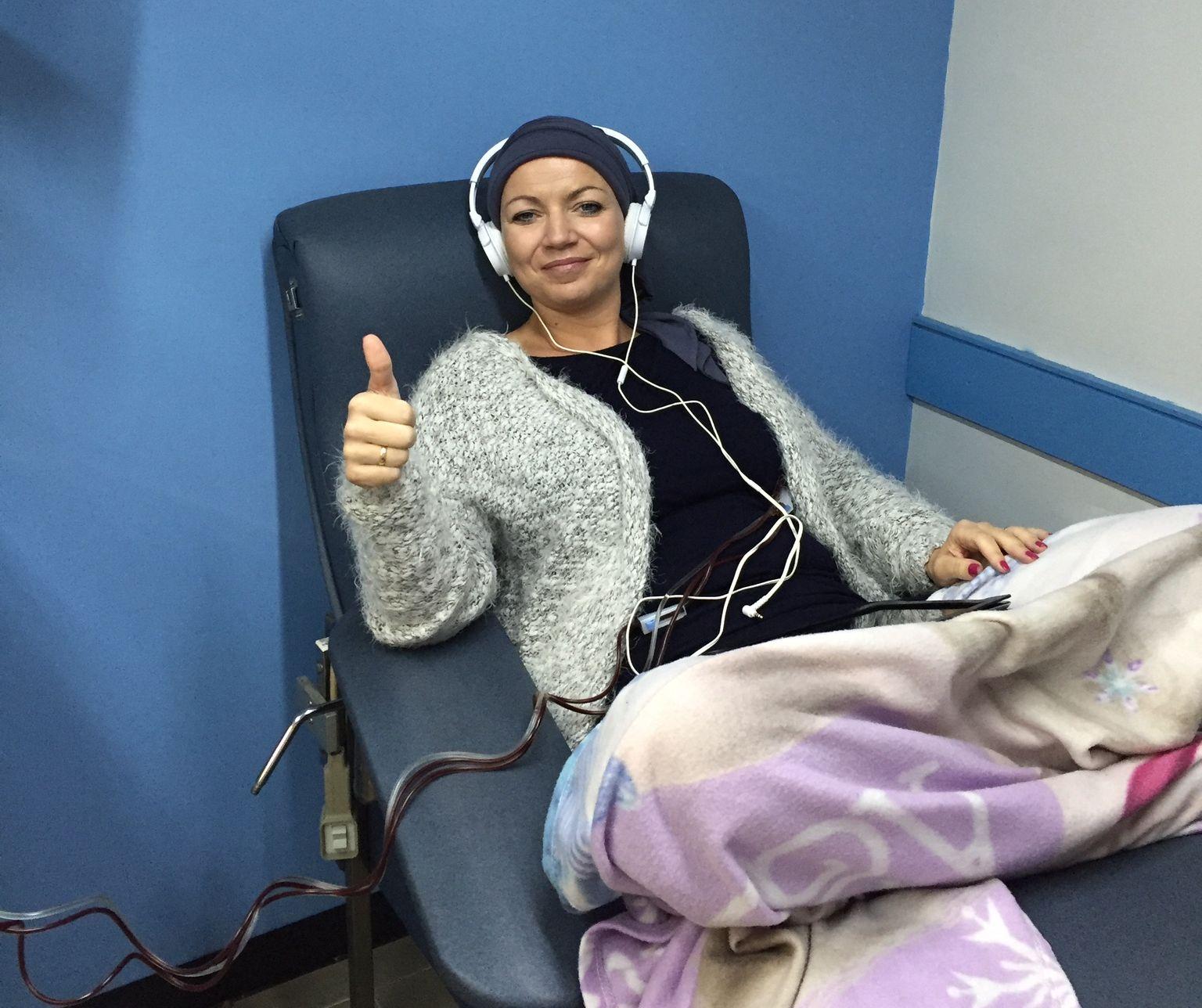 FIKK TILBAKEFALL: Her er Haugen avbildet da hun var i Mexico i 2016 for stamcellebehandling mot MS. I etterkant har hun fått tilbakefall, og har nå en støttegruppe som samler inn penger for ny behandling i Moskva til sommeren.