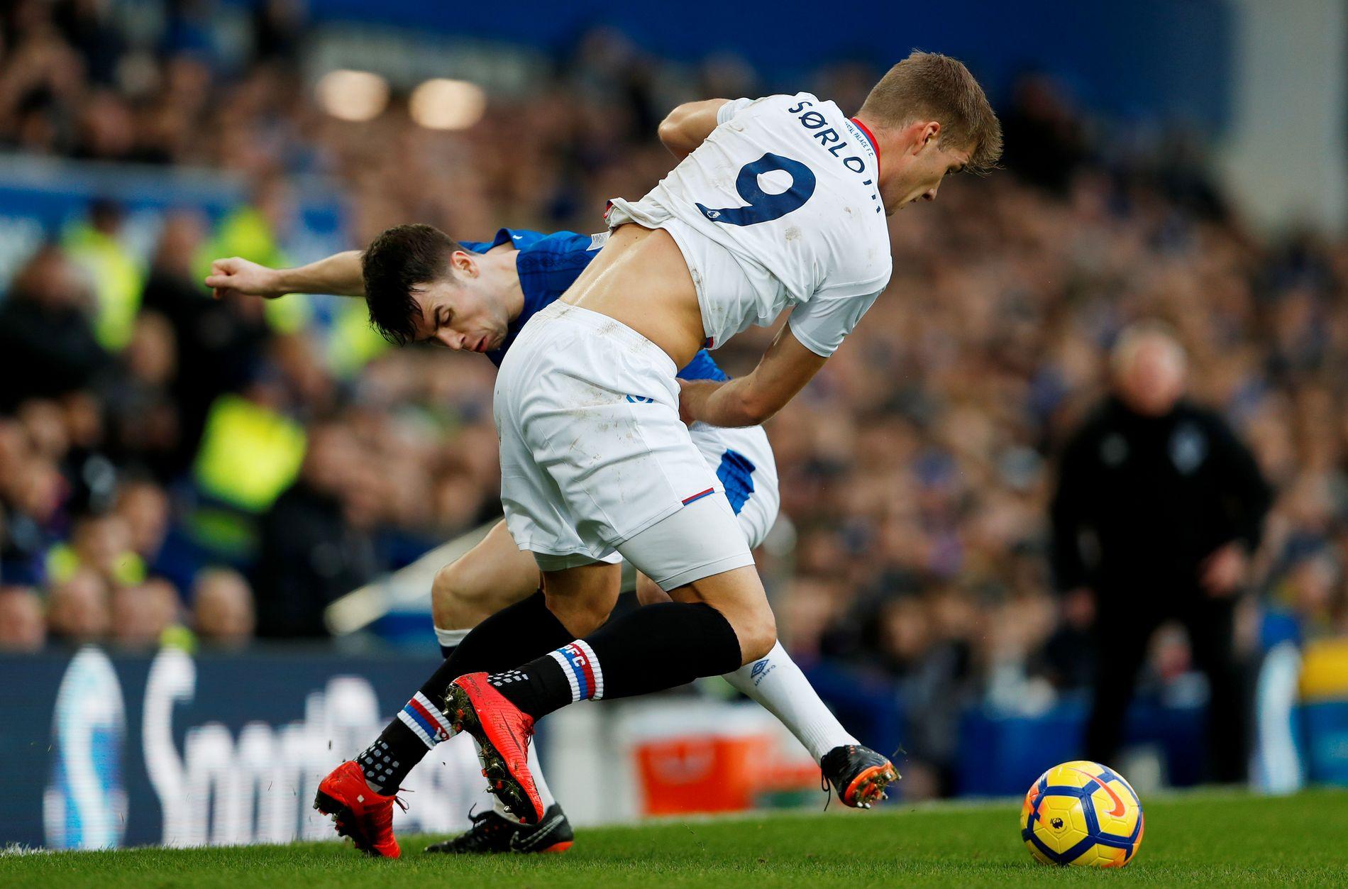 NIER: Alexander Sørloth i Premier League-oppgjøret mot Everton på Goodison Park i februar.