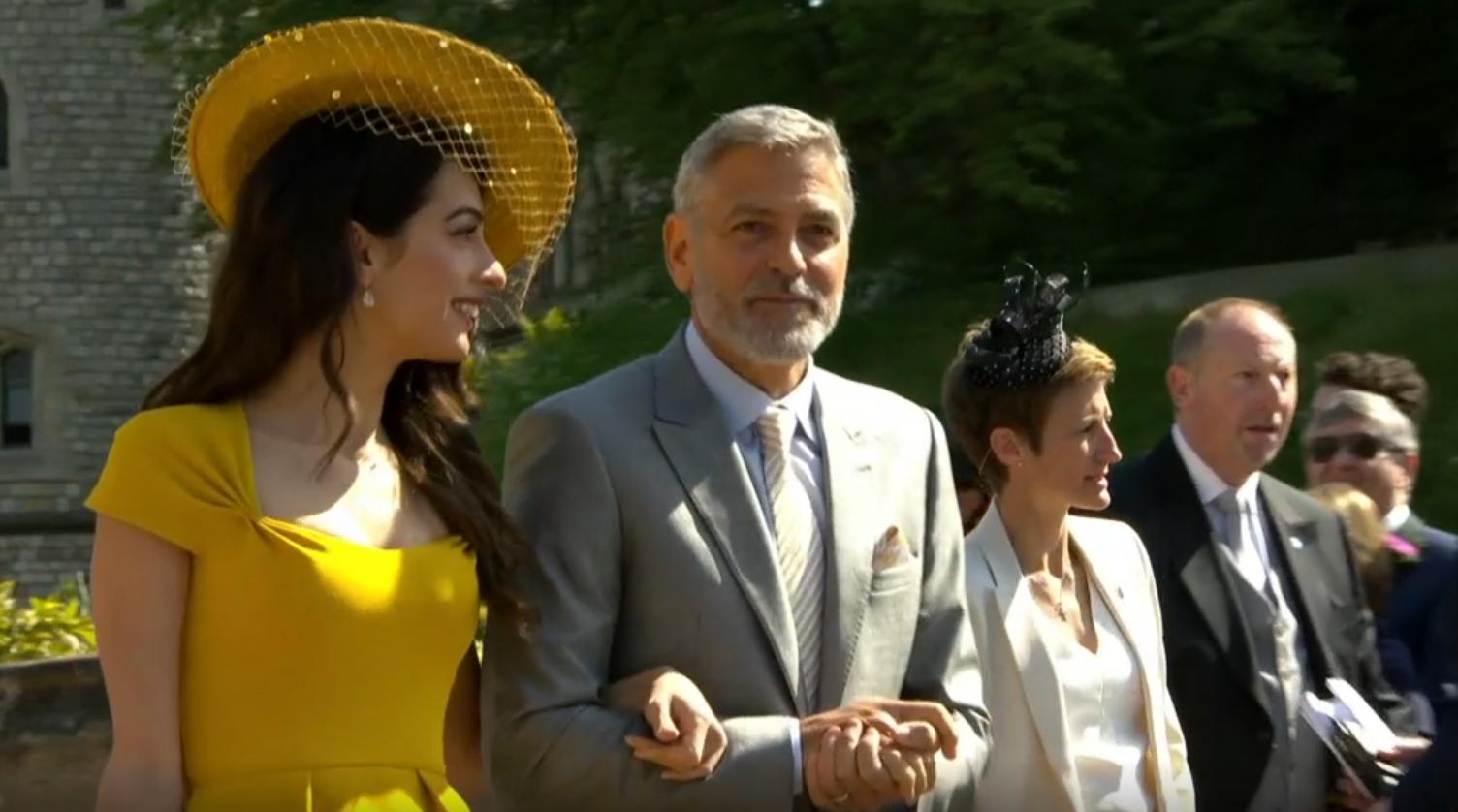 VAKKER PAR: Amal og George Clooney er på plass i Windsor.