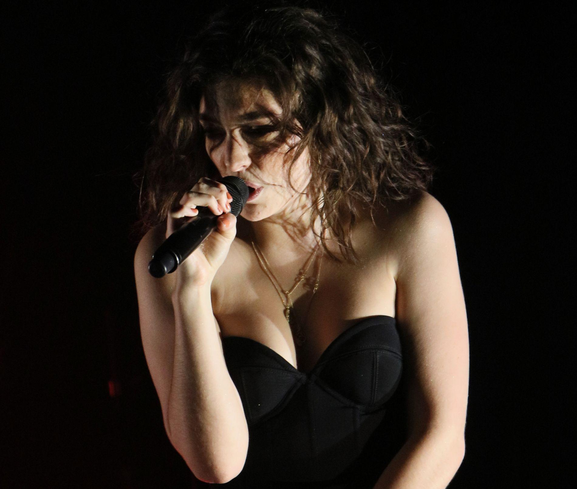 I HARDT VÆR: Lorde. Foto: GETTY IMAGES