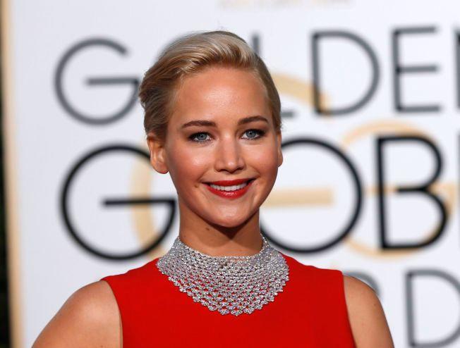KLAR FOR CASTRO: Jennifer Lawrence under Golden Globe-prisutdelingen i Beverly Hills 10. januar.