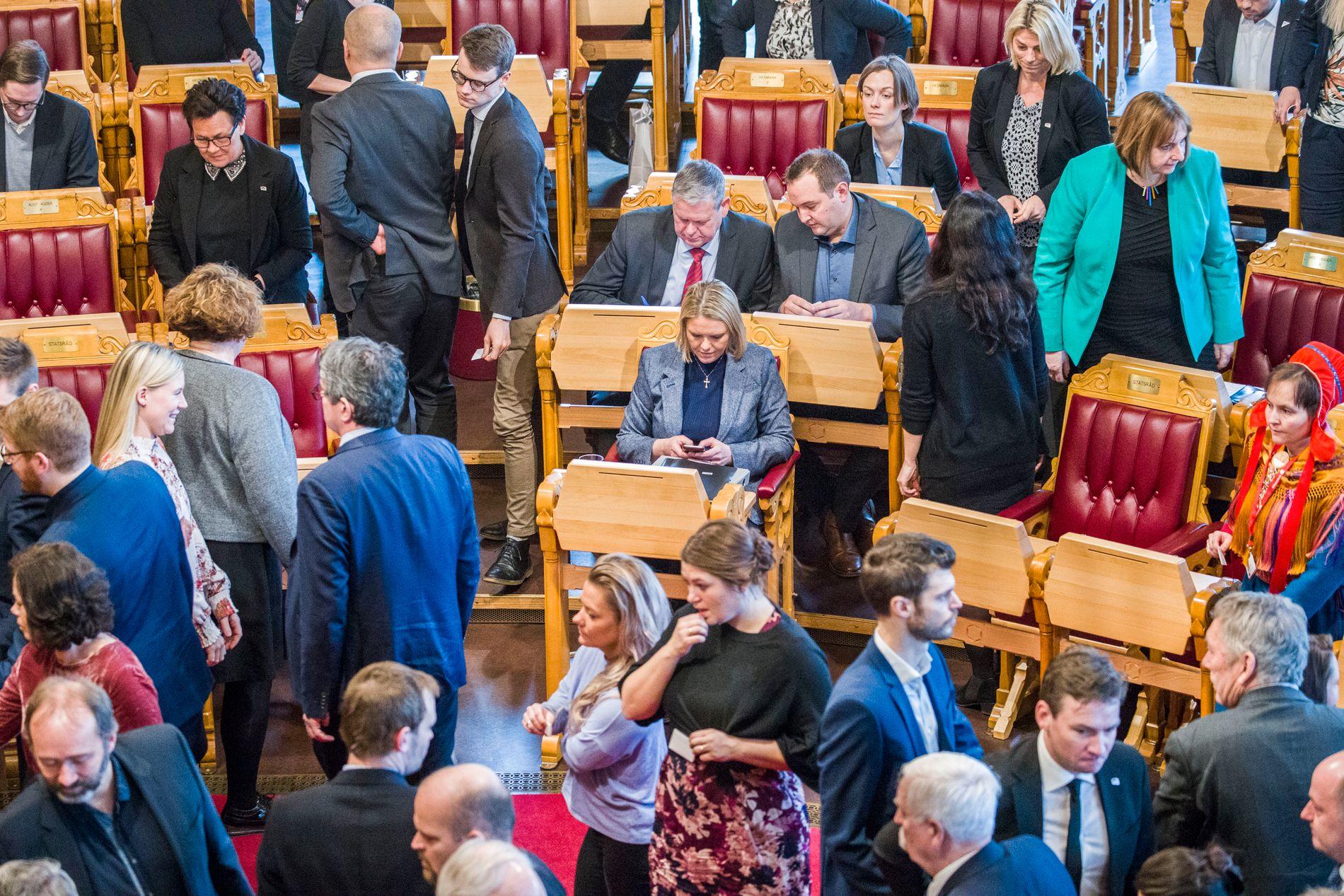KAN SPARKES: Dersom mistillitsforslaget får flertall i Stortinget må Erna Solberg ta farvel med Sylvi Listhaug som justisminister