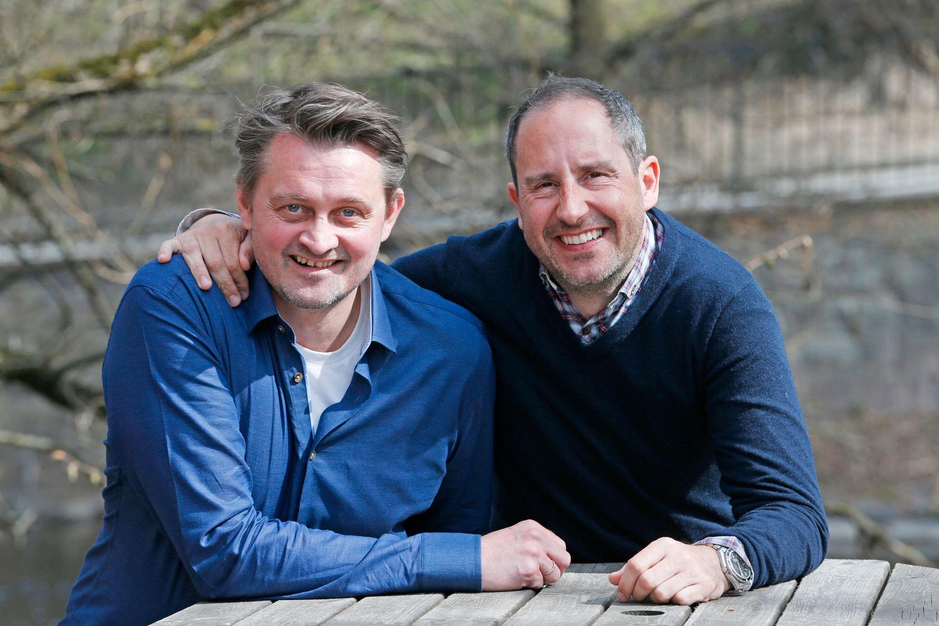 NÆRE: Thomas Numme (t.v.) og Harald Rønneberg er venner og kolleger – aldri konkurrenter. Her utenfor kontorlokalene i Nydalen i Oslo.