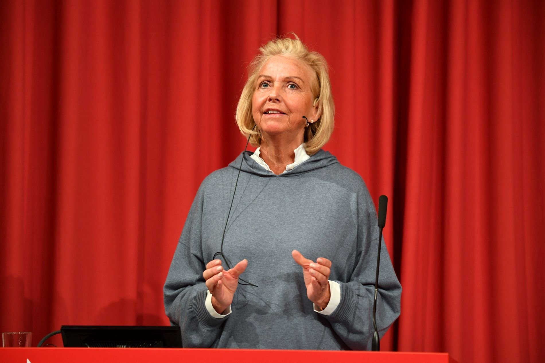 Idrettspresident Berit Kjøll har fått retorisk skyts i kampen for å bevare spillmonopolet.