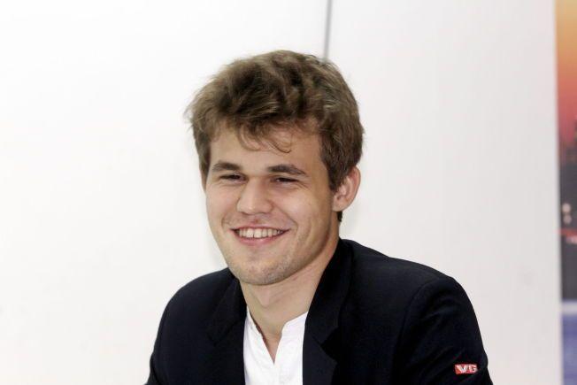 SNART VM: I november starter VM-matchen mot Vishy Anand i Sotsji i Russland. Der skal Magnus Carlsen drikke vann fra sin nye sponsor.
